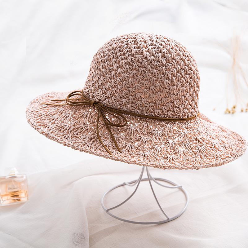 去海边旅游的你,一定要备上新款草帽,做海边最亮眼的