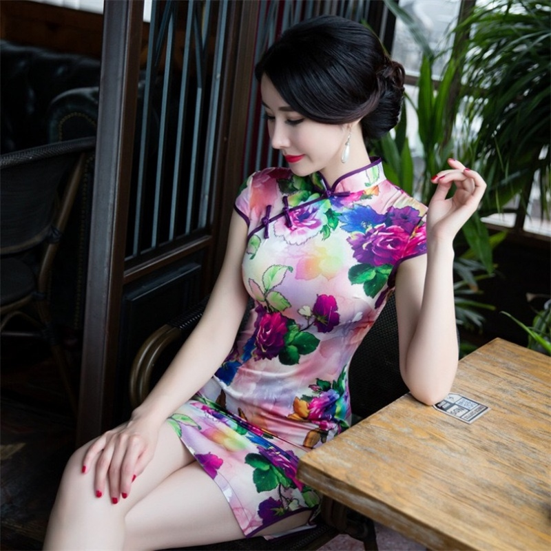 【美人旗袍素材篇】穿旗袍的女人,才是最美的中国女人,倾国倾城的美,让人一见倾心 - 浪漫人生 - .
