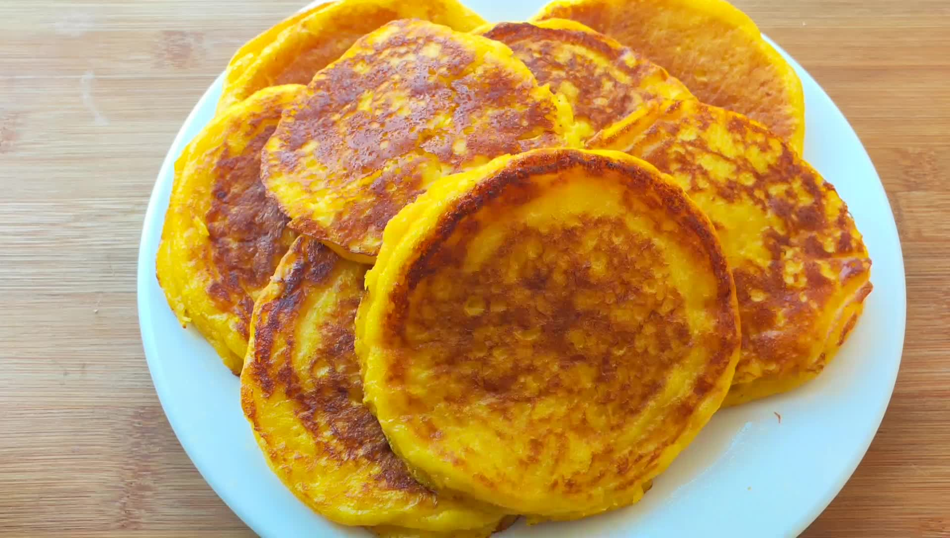 3个鸡蛋,一块南瓜,手不沾面,10分钟快速早餐饼,凉了都不硬