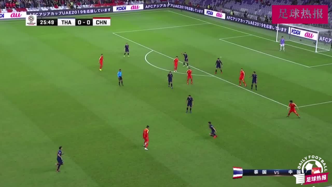 武磊快速前插抢射守门员,中国队连续多脚射门,无限逼近进球!
