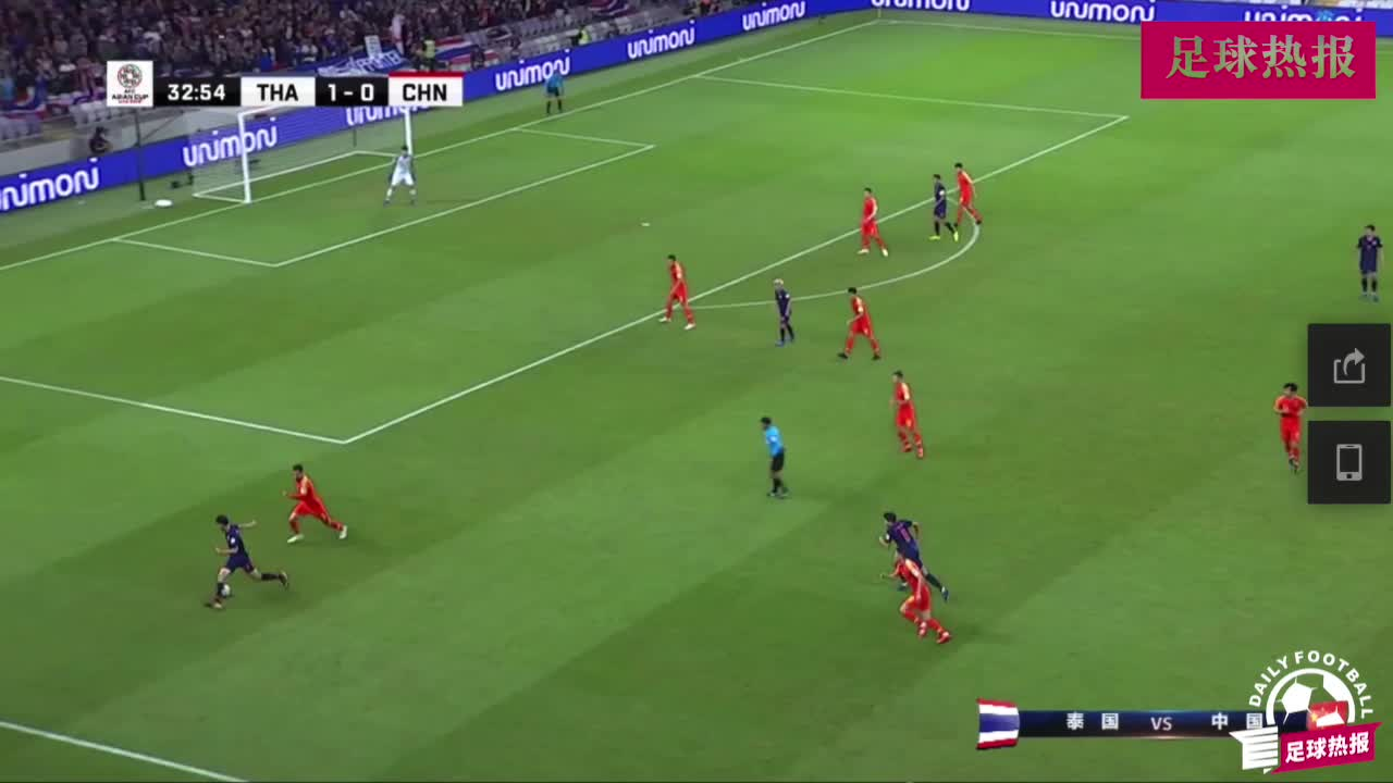 中国队太急躁,张琳芃动作太多得黄牌,下场比赛停赛