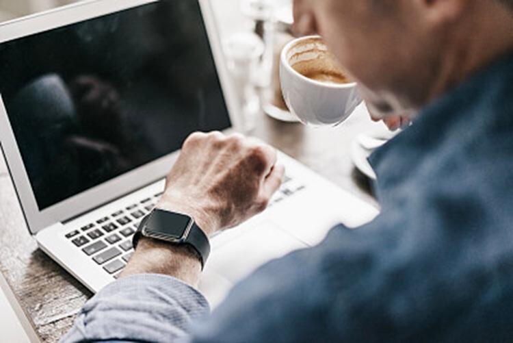 为什么成功男士偏爱戴手表?原因显而易见