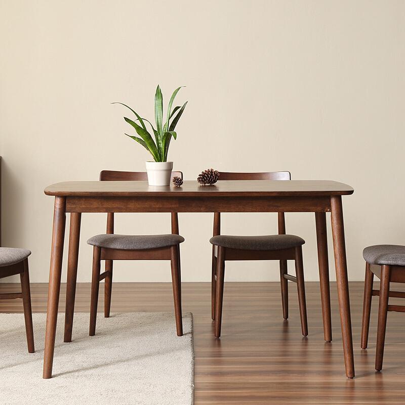 北欧实木餐桌,温润了用餐时光,也惊艳了整个餐厅