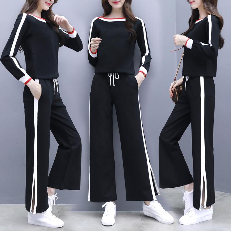 """小姨是个时髦精,一入秋就穿了""""小衫+阔腿裤套装"""",美出新高度"""