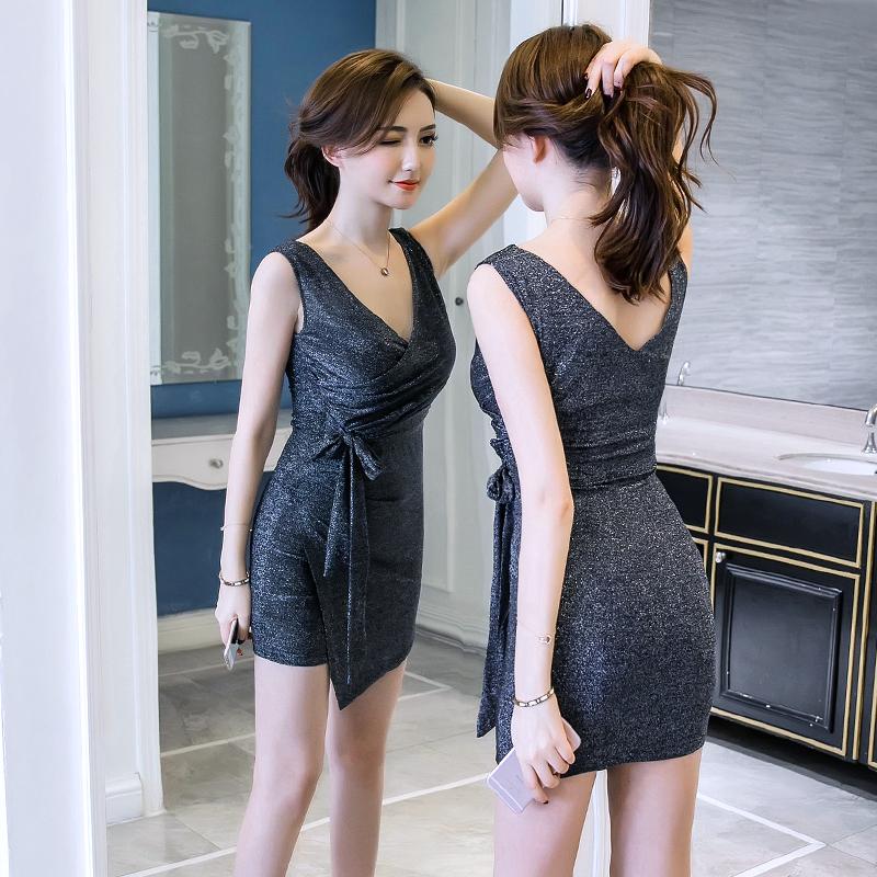 微胖姑娘,穿包臀裙丰满曼妙,穿蕾丝裙显瘦又洋气,怎么穿怎么美
