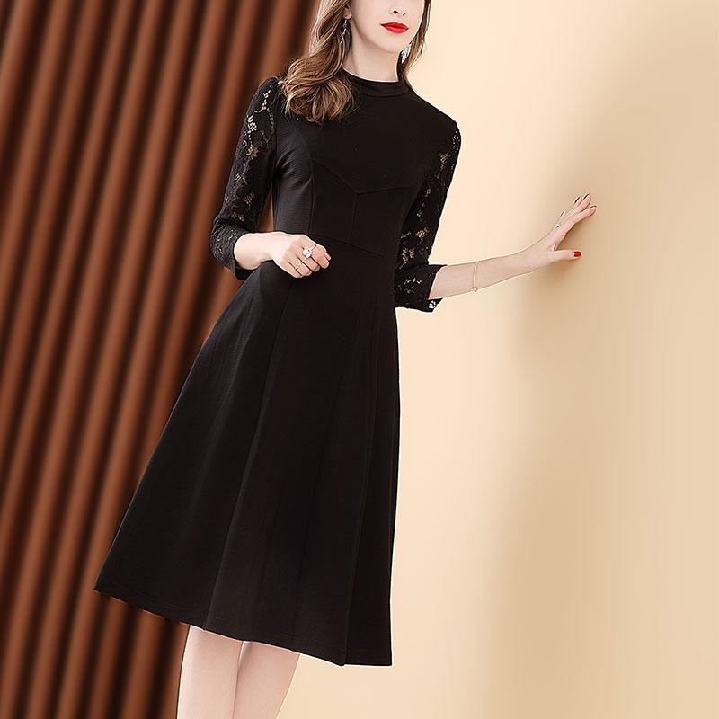 女人再漂亮,也要多穿这种秋裙,时尚减龄凸显腰身,美呆了