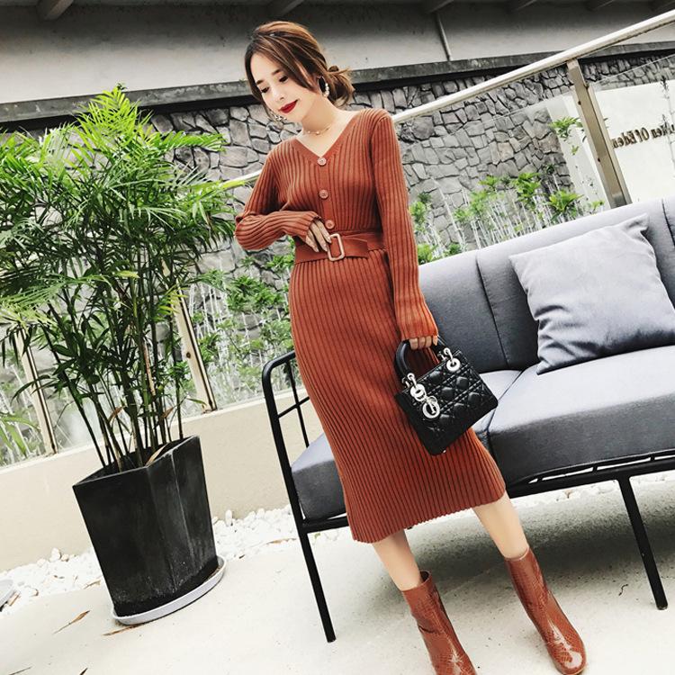 女人,别总以为打扮要花很多钱,像这精致秋裙,洋气美嫩却不贵