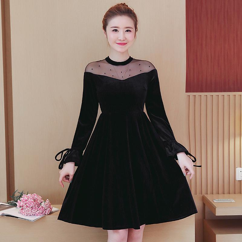 找了好久,才找到这这款显瘦显年轻的连衣裙,内搭太高级