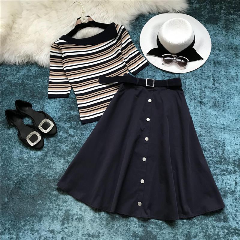 条纹一字领针织上衣+单排扣半裙套装优惠券