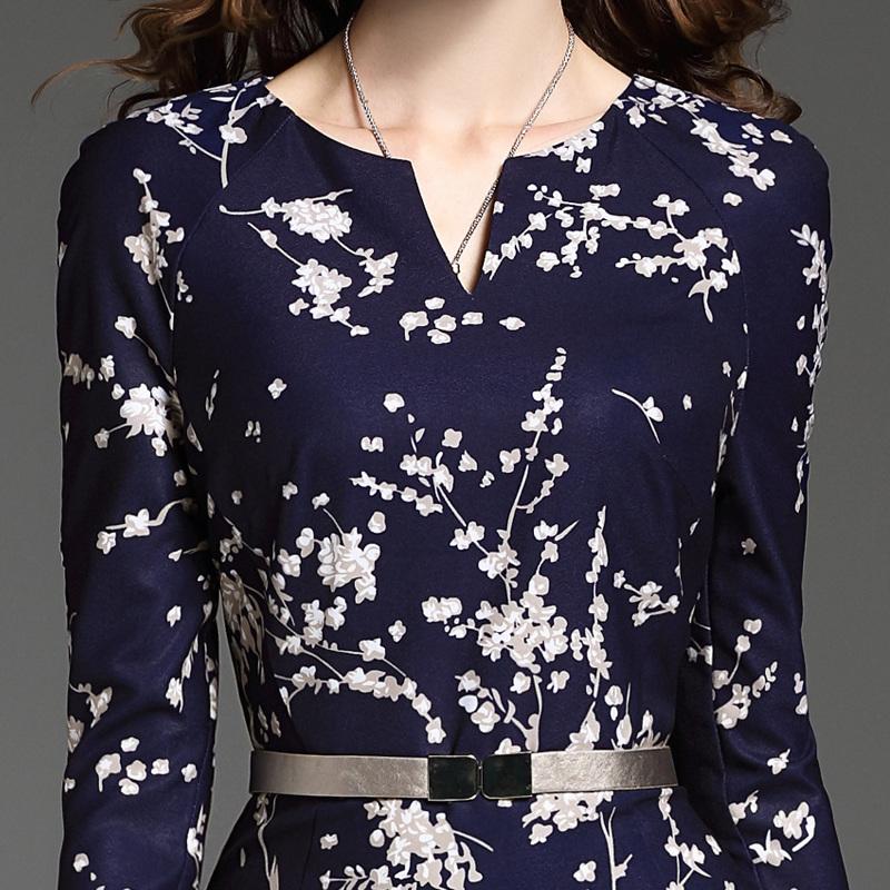 姑娘,立秋了,不差钱的话,要买就买这样的秋裙,穿上高贵美绝了