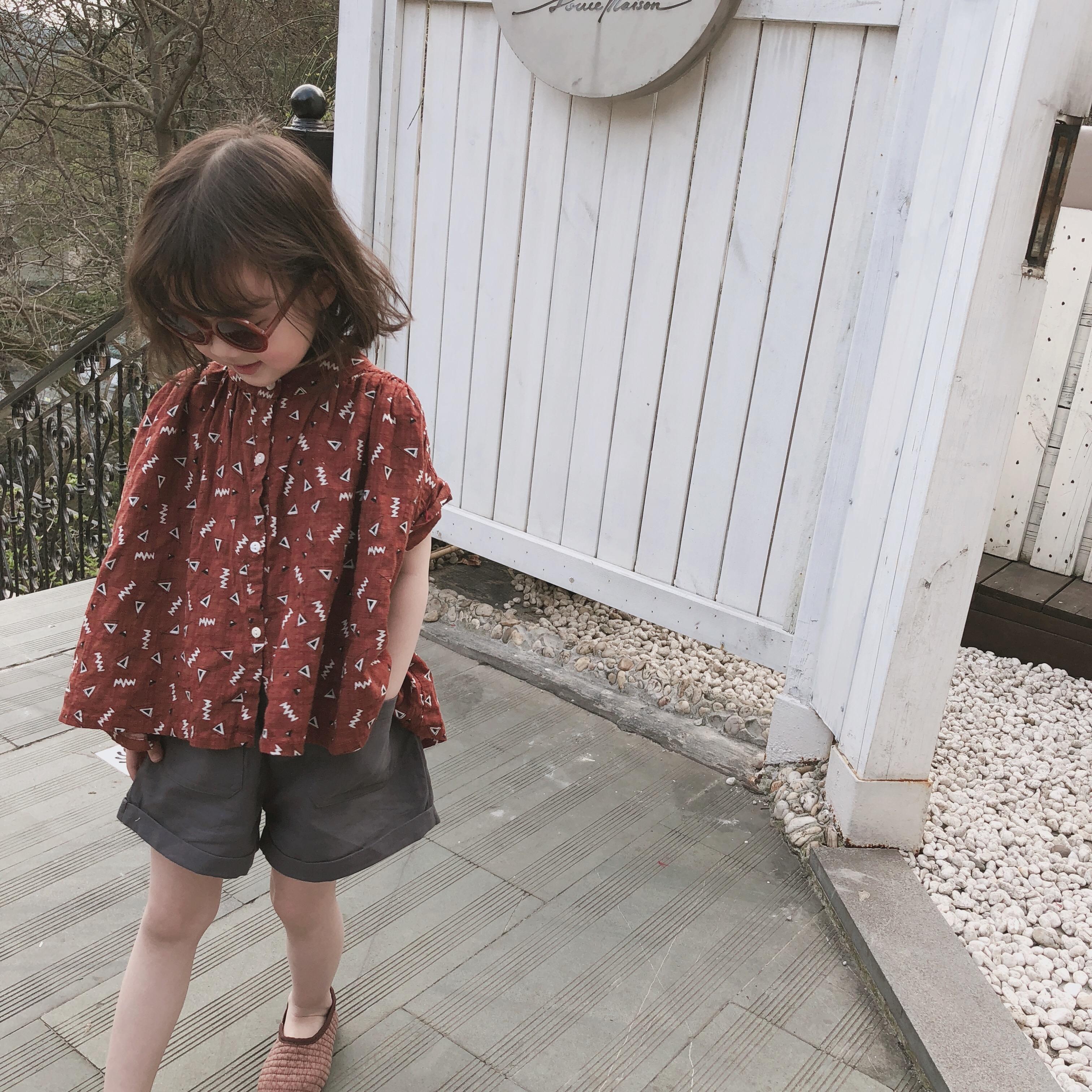韩版女童几何图短袖衬衫小立领单排扣娃娃衫优惠券