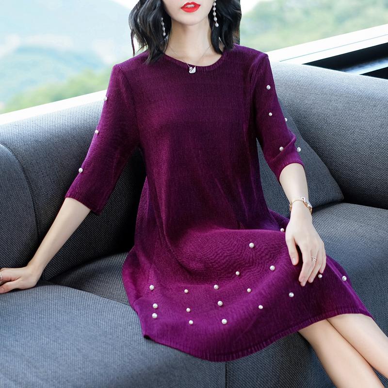 老婆一年四季都爱穿连衣裙,今秋流行这些款,很洋气,美的惊艳