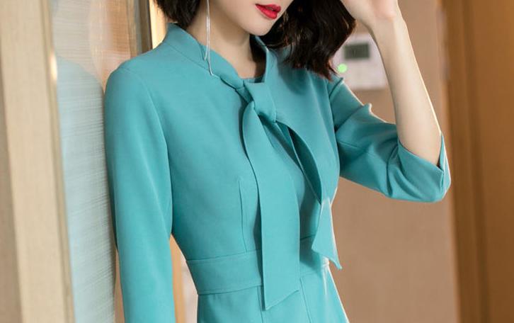 """女人,喜欢穿裙也要穿时髦的,""""蓝魅""""裙正火,适合6570后"""