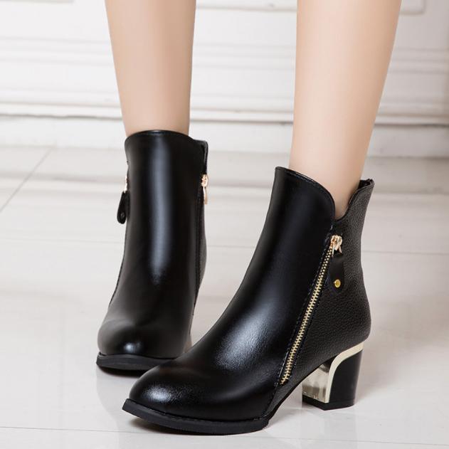 韩版新款单靴子女短靴粗跟马丁靴中筒靴优惠券