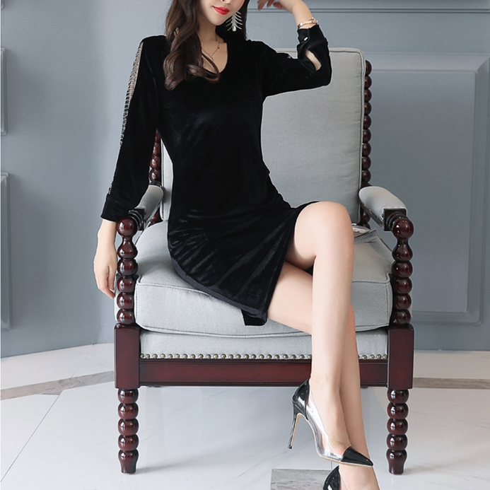 初秋穿长袖连衣裙,遮肉显瘦有女人味,美翻了,彰显十足女人味