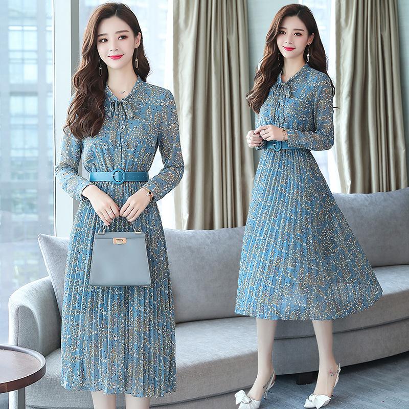 4点上架的秋裙怎么这么美,70女人穿着优雅减龄,简直美翻天