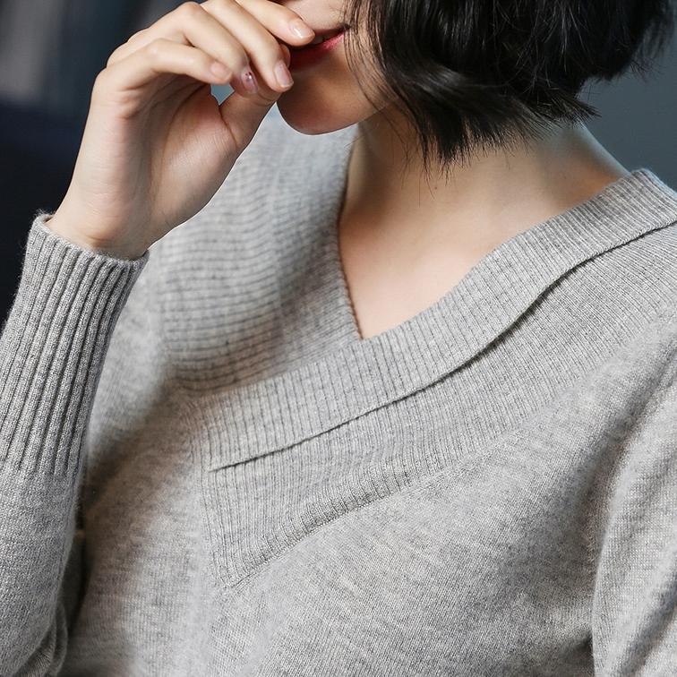 9月穿毛衣太早,学学下面女人这样穿打底衫,50穿上年轻像30