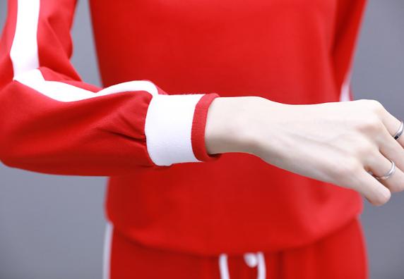 据说中秋国庆流行:运动套装,学下面女人这样穿,确实洋气又百搭