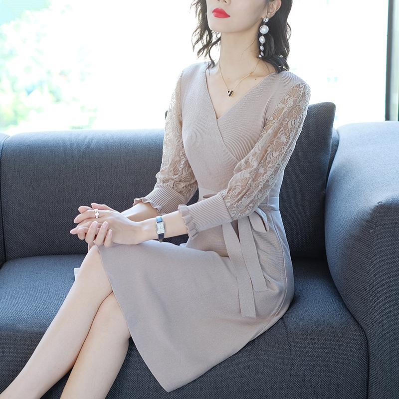 过了40岁,建议你穿小香风连衣裙,不挑身材还显气质显年轻