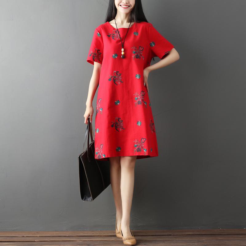 出街就是要穿得漂亮,新上的裙真洋气,每款都精致时尚
