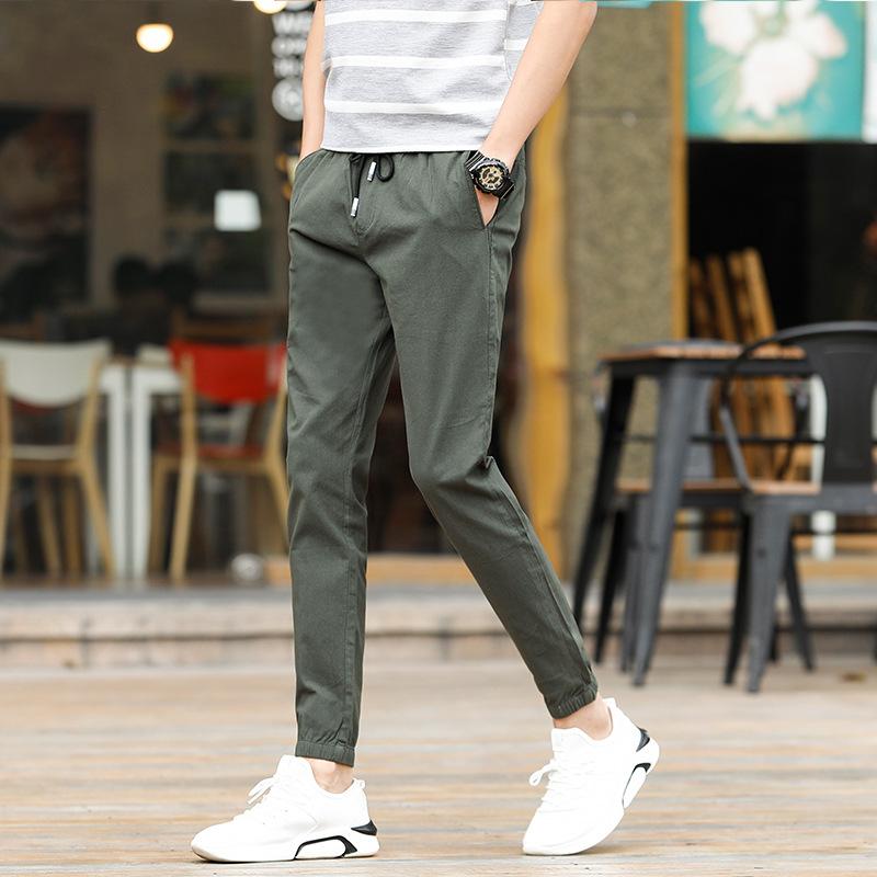 男人穿裤别太瘦!今秋正火的几款休闲裤,舒适洒脱,穿出男人风范