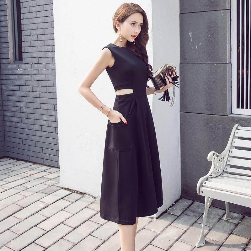 新款裙子上市了,裙子控的小姐姐们,这个九月这样穿巨洋气