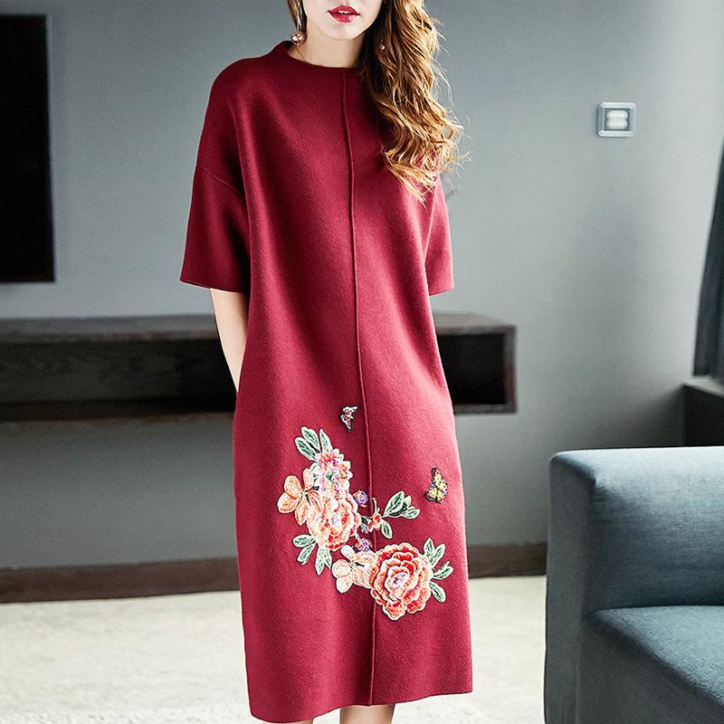 胖女人要懂得穿搭,8款早秋大码连衣裙,洋气时髦还巨显瘦