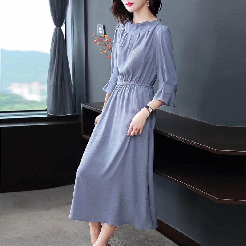 """18年新款秋装""""出炉"""",35岁以上女人穿着超减龄,显瘦又大气"""